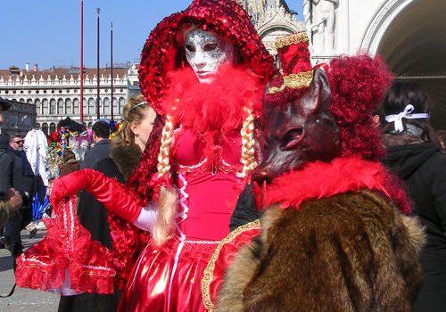 cappuccetto-rosso-lupo-venezia