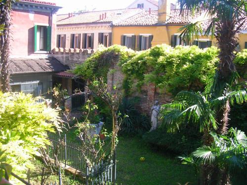 Orsoni's courtyard