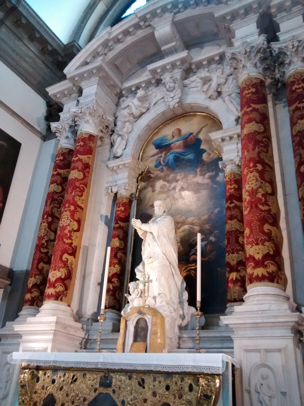Altar inside Santa Maria Della Salute