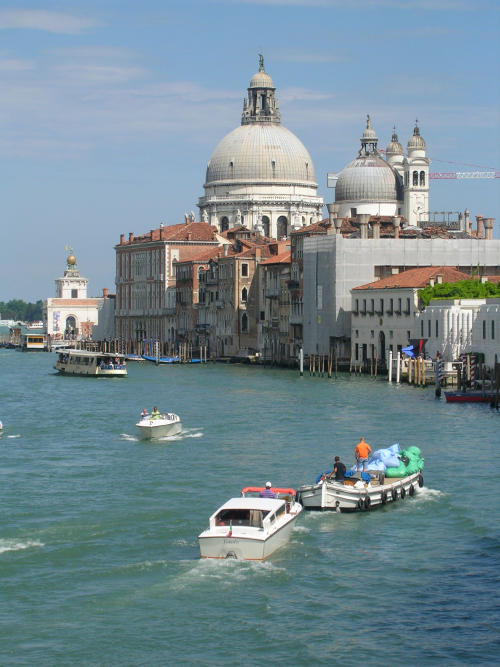 Basilica di Santa Maria Della Salute in the distance