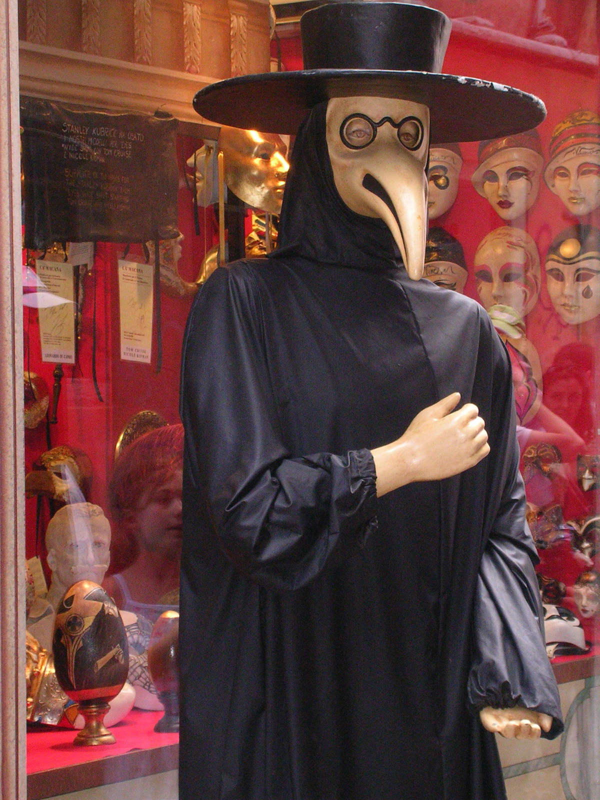 plague doctor in venice