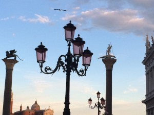 Venice Streetlamps Sunset 3 - Photo by Victoria De Maio