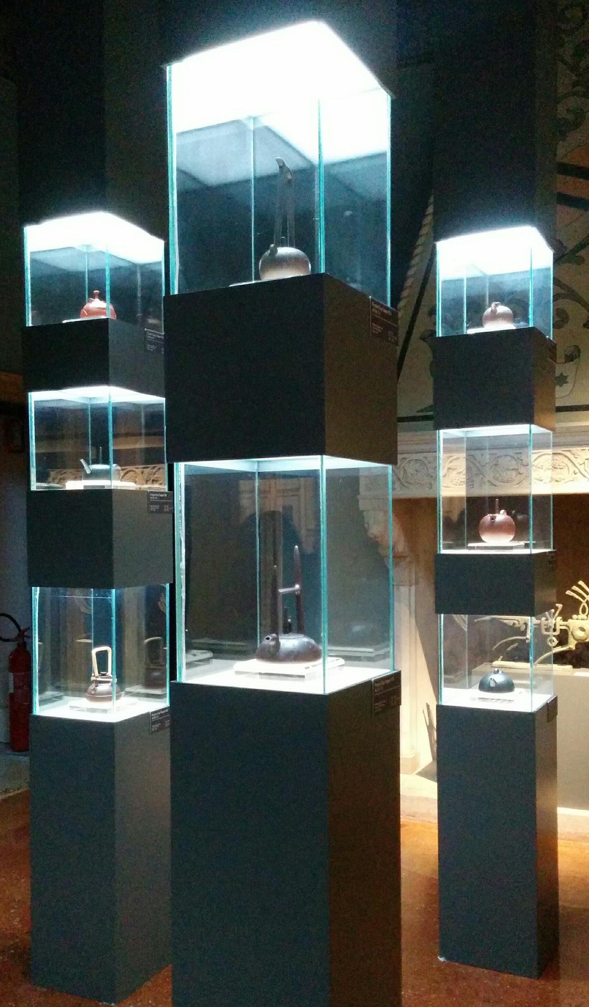 Han Meilin in Venice - display