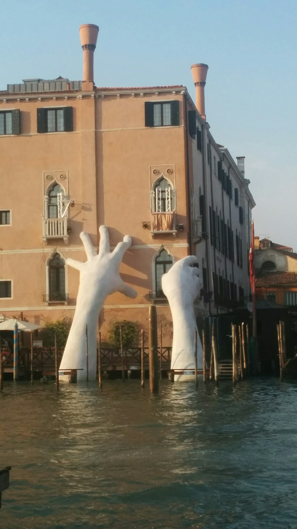 Art in Venice - support Venice by Lorenzo Quinn