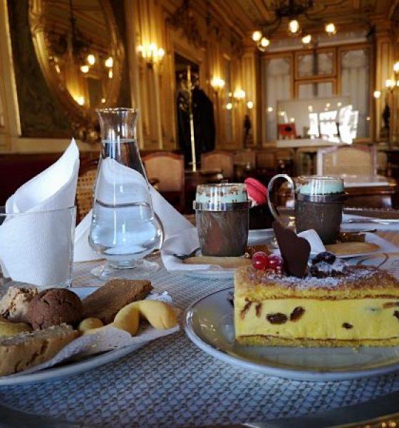 CAFFÈ FLORIAN: WHERE DRINKING A COFFEE IN VENICE IS A RITUAL