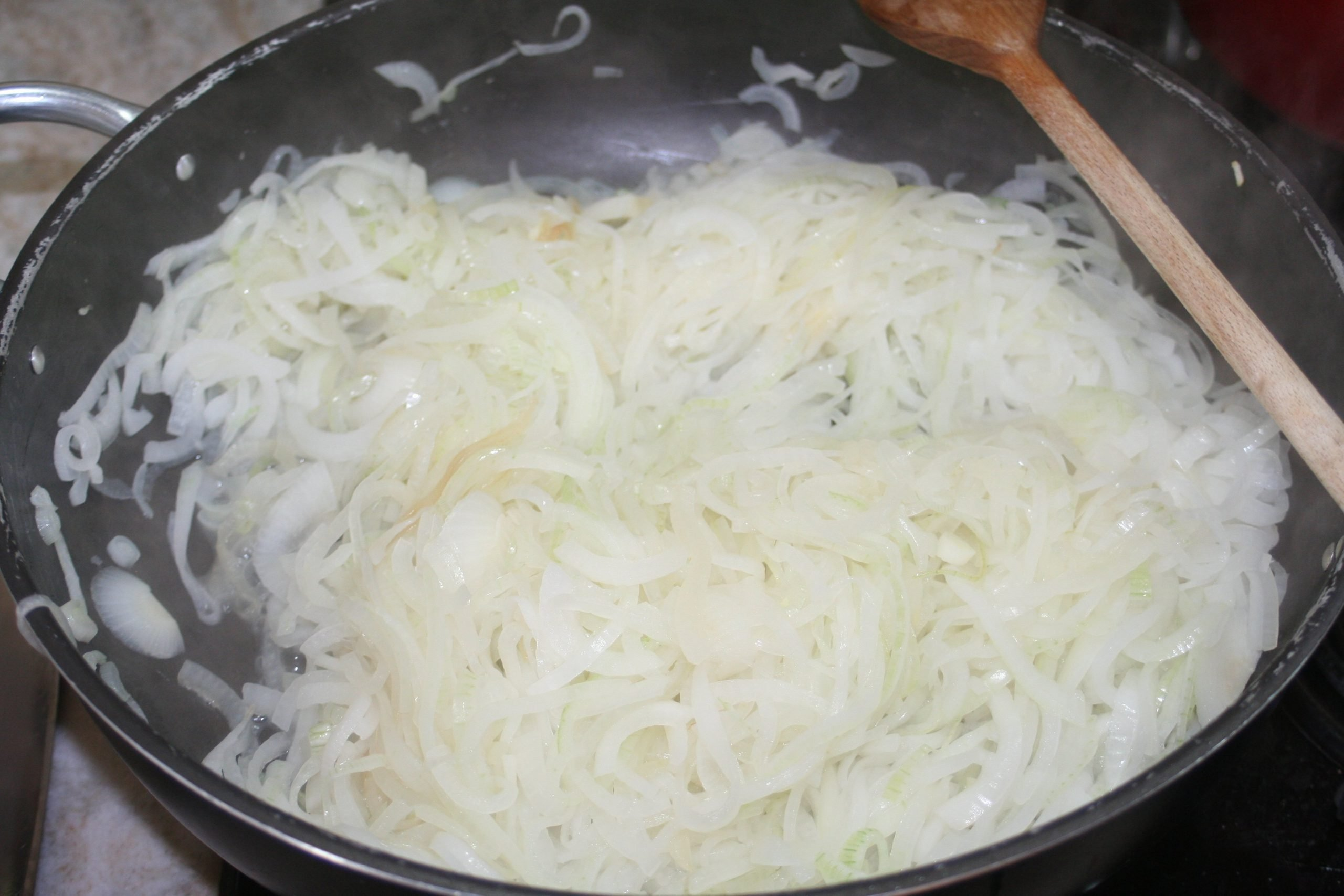 Onion for Sarde in Saor