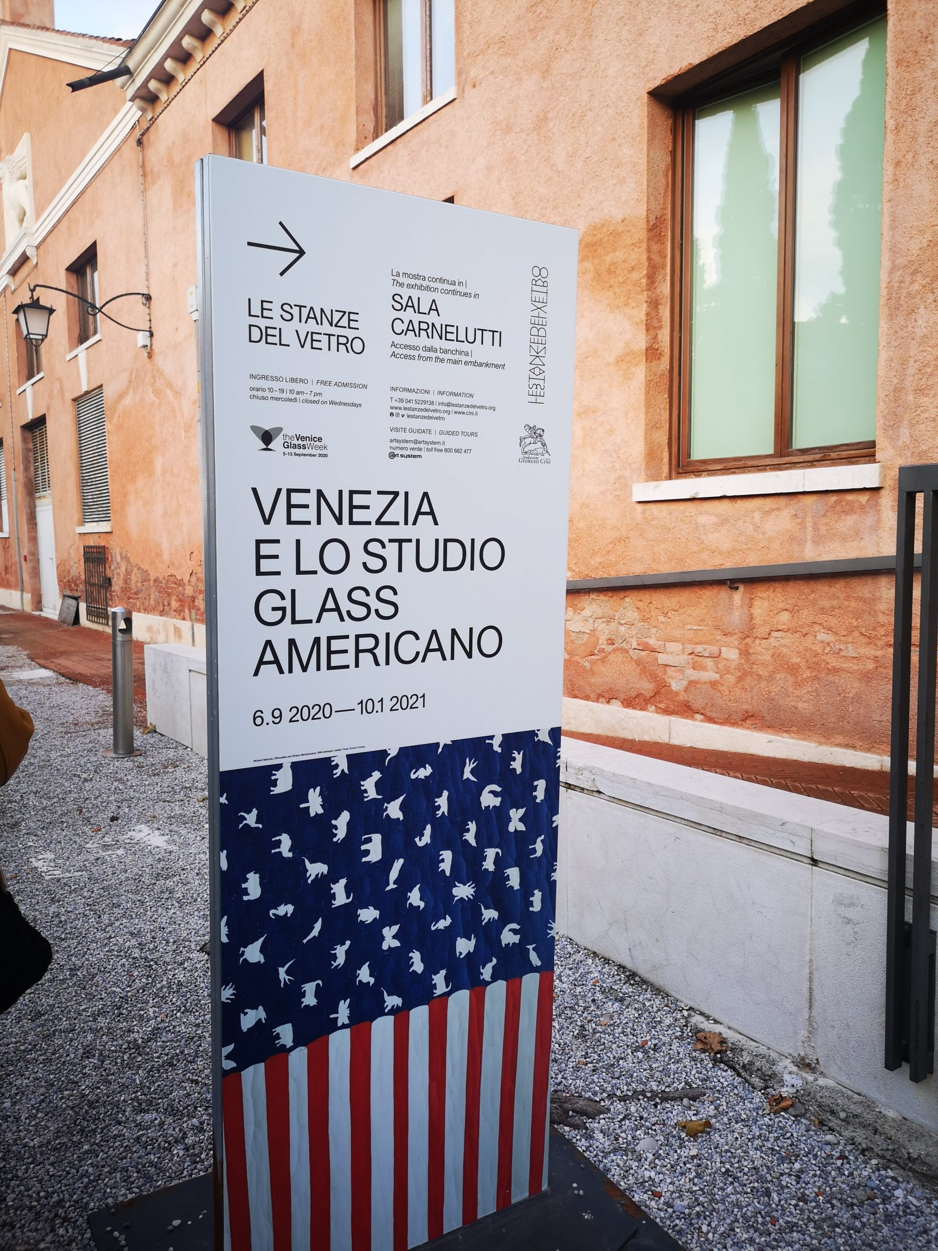 Venice and the american studio glass