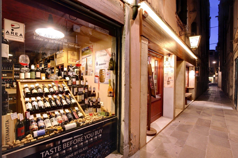 wine shop venice