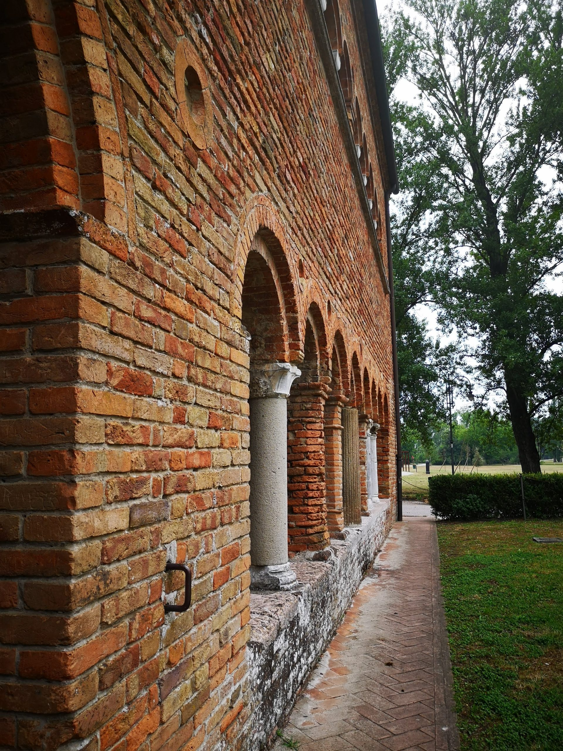 archways at pomposa