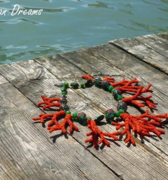 THE QUEENS OF BEADS IN VENICE – VENICE MURANO GLASS